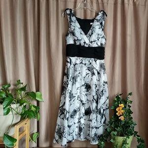 Black White Sleeveless Dress